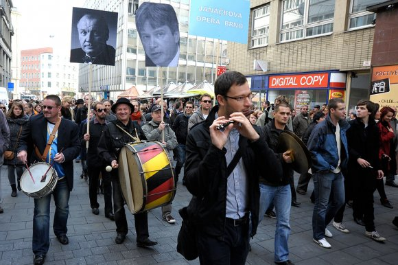 protest_opery022