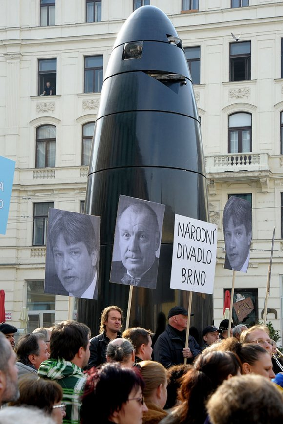 protest_opery025