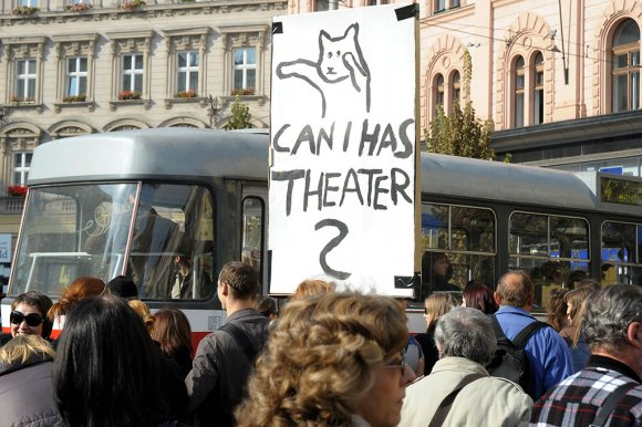protest_opery035
