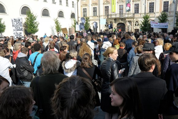 protest_opery036
